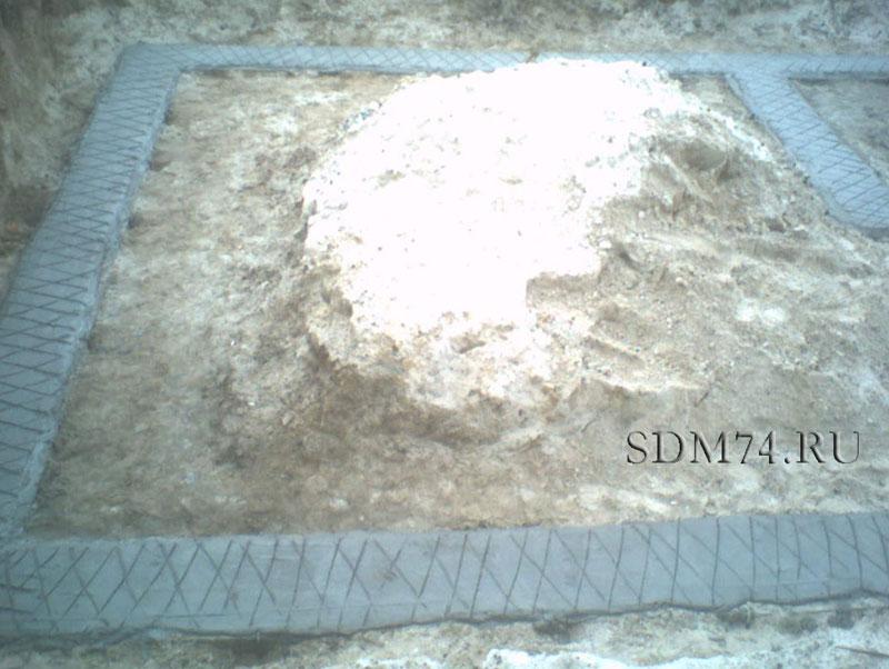 армирование фундаментной подушки.